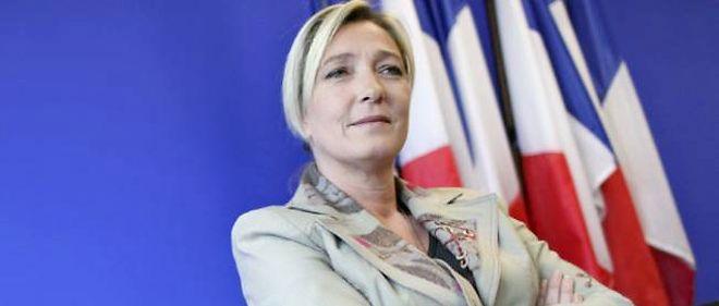 """""""Je suis la seule à pouvoir sauver les peuples européens en les aidant à retrouver leur liberté"""", explique Marine Le Pen, chef du FN."""