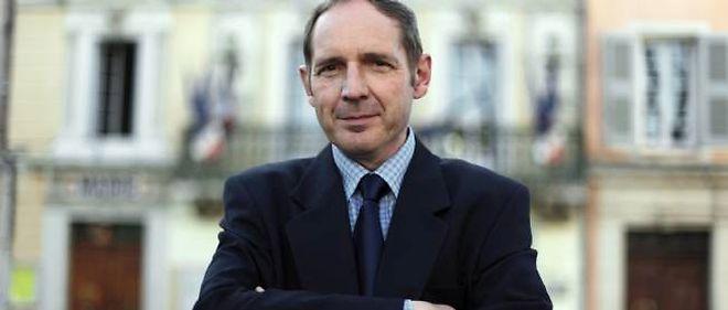 Philippe de la Grange, nouveau maire FN de Le Luc, ne s'estimait pas assez grassement payé.