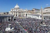 La place Saint-Pierre, à Rome, à l'occasion de la messe de Pâques, le 20 avril dernier. ©Giuseppe Ciccia
