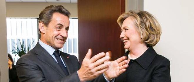 Nicolas Sarkozy a diffusé sur son compte Twitter une image de sa rencontre avec Hillary Clinton.