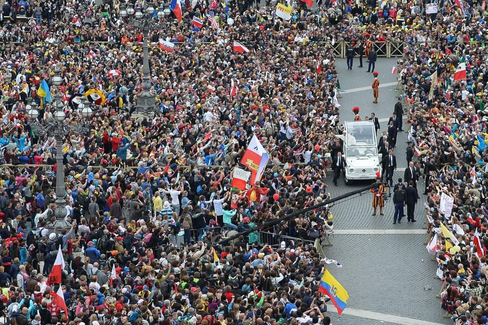 Le pape François après la canonisation de Jean XXIII et Jean-Paul II © Vincenzo Pinto, AFP