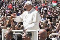 Le pape François lors de la messe de Pâques, place Saint-Pierre, dimanche dernier. ©Alexandro Auler