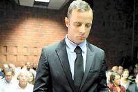 Oscar Pistorius, 27 ans, risque une peine incompressible de 25 ans s'il est reconnu coupable de l'assassinat de sa petite amie Reeva Steenkamp.