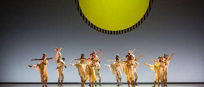 """""""Daphnis et Chloé"""" sur la scène de l'Opéra Bastille dans une mise en scène de Benjamin Millepied."""