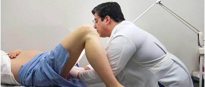Le frottis est un examen indispensable pour détecter les lésions précancéreuses.