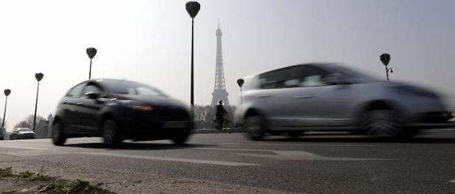 """Christophe Najdovski explique que la limitation à 30 km/h dans Paris vise """"à permettre une circulation apaisée, de pouvoir faire cohabiter de la meilleure des façons les automobilistes, les cyclistes et les piétons""""."""
