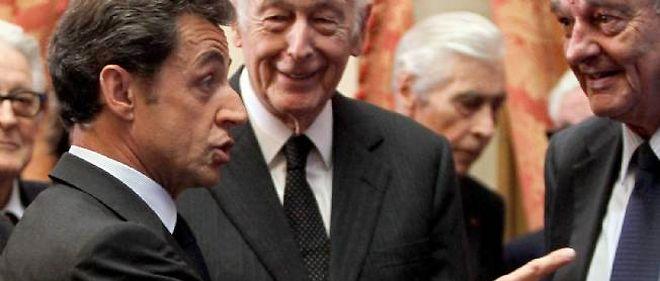 """Nicolas Sarkozy, Valéry Giscard d'Estaing et Jacques Chirac sont aux premières loges des """"Flingueurs""""."""