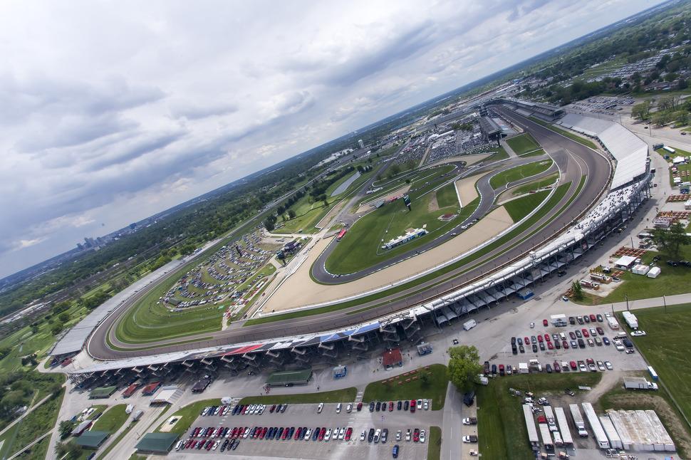 Le Speedway où les voitures tournent à plus de 330 km/h...de moyenne! ©  DR