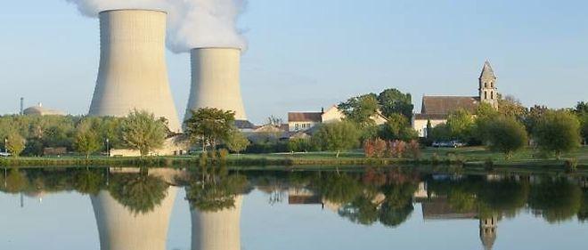 Un rapport commandé par la Cour des comptes a étudié l'ensemble des coûts liés à la production d'électricité nucléaire en France, y compris les frais de démantèlement et de gestion des déchets radioactifs à long terme.
