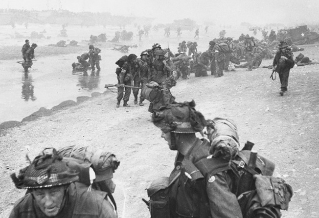 Les soldats britanniques ont débarqué sur Sword Beach. Ils peinent à avancer face aux Allemands. ©  Sipa