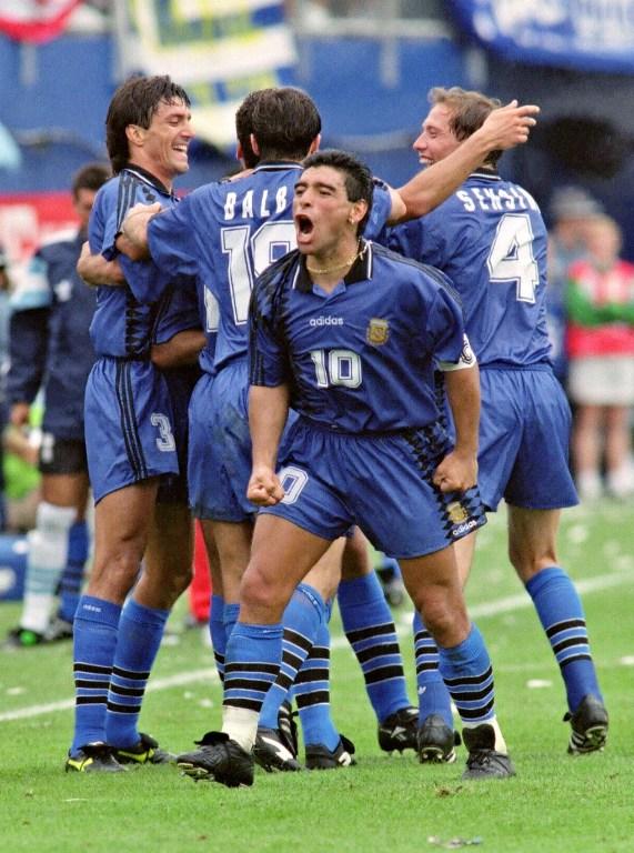 Tout le monde croyait au retour de Maradona après sa performance contre la Grèce. © DANIEL GARCIA AFP