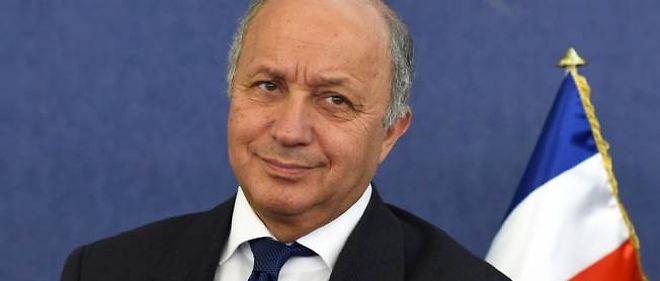 Laurent Fabius s'est endormi lors d'une réunion officielle à Alger.