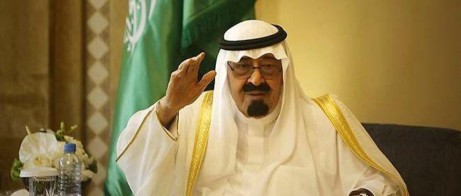 Le roi Abdallah ben Abdelaziz al-Saoud d'Arabie saoudite a été le premier à féliciter le maréchal égyptien al-Sissi pour son investiture à la présidence.