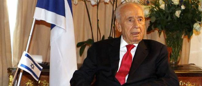 """De l'avis général, aucun des candidats n'a la stature de Shimon Peres (ici en photo), ultime survivant de la génération des """"pères de la nation"""" israélienne."""