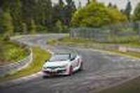 Pour établir le record de la traction la plus rapide sur un tour du Nürburgring, Laurent Hurgon disposait d'une RS très spéciale, allégée de 100 kg.