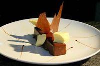 Croustillant chocolat vanille, nuage caramel amer ©Paris chez Sharon
