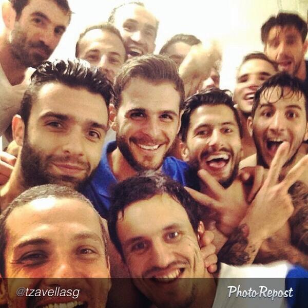 Le selfie de l'équipe grecque ©  Twitter