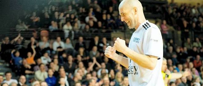 Zinédine Zidane a été un temps pressenti pour être entraîneur des Girondins de Bordeaux.