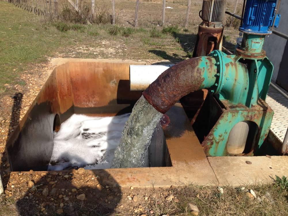 Listel, vanne régulant le niveau d'eau des roubines. ©  DR