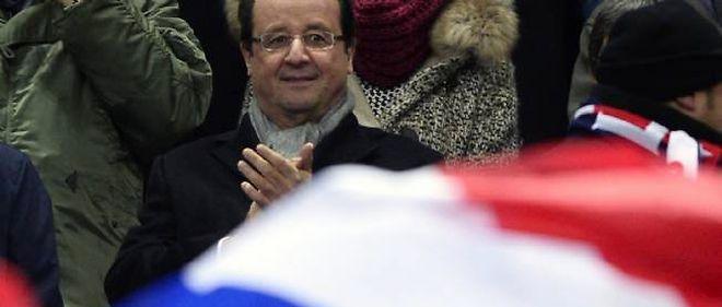 François Hollande assistant à un match de l'équipe de France.