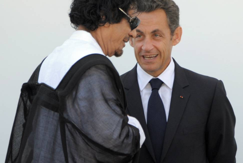Nicolas Sarkozy et Mouammar Kadhafi le 10 juillet 2009 ©  AFP