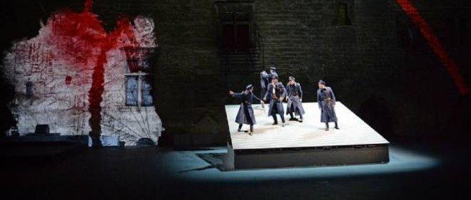 """Photo d'une répétition de la pièce """"Le Prince de Hombourg"""", dont la première a donné symboliquement samedi le coup d'envoi du 68e Festival d'Avignon."""