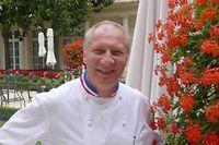 Éric Frechon, sur la terrasse du trois étoiles du restaurant trois étoiles du Bristol. ©Gilles Pudlowski