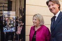 Maryse Joissains inaugure des bornes numériques avec Jean-Charles Decaux. ©Ian HANNING/REA