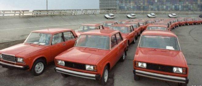 Russie Le Marché Automobile Proche De La Débâcle Automobile