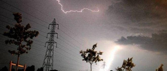 De violents orages sont attendus dès ce soir dans l'ouest de la France.