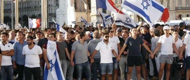 """Le Conseil représentatif des institutions juives de France (Crif) a appelé mardi dans un communiqué à un """"rassemblement unitaire des amis d'Israël"""" jeudi à 18 h 30 devant l'ambassade d'Israël à Paris, dans le 8e arrondissement."""