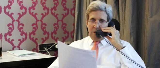 Le secrétaire d'État américain John Kerry au téléphone. Photo d'illustration.