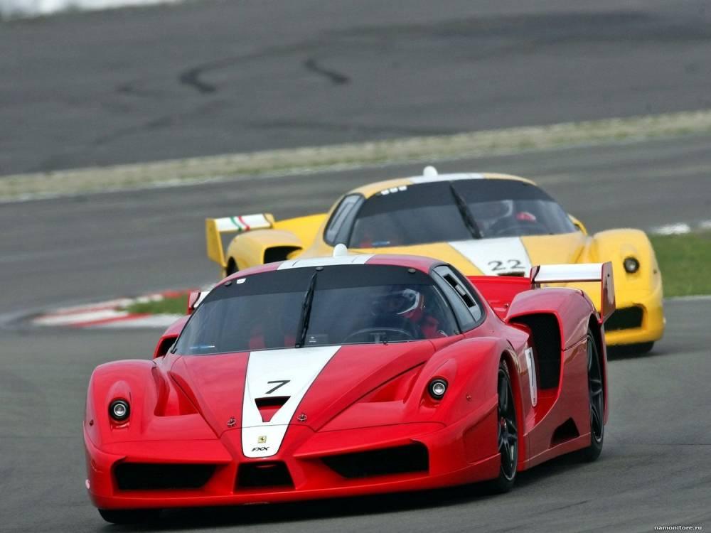 Fortes de 800 ch, les Ferrari FXX ne sont elles aussi utilisables que sur circuit, lors d'évènements organisés par Ferrari. ©  DR