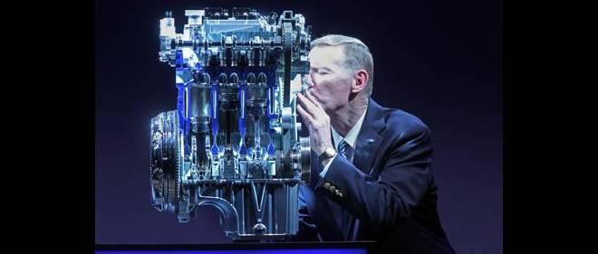 Élu moteur de l'année pour la 3e fois consécutive en 2014, le 3-cylindres Ecoboost a fait le bonheur d'Alan Mulally, P-DG de Ford lors du lancement de ce moteur d'un nouveau genre.