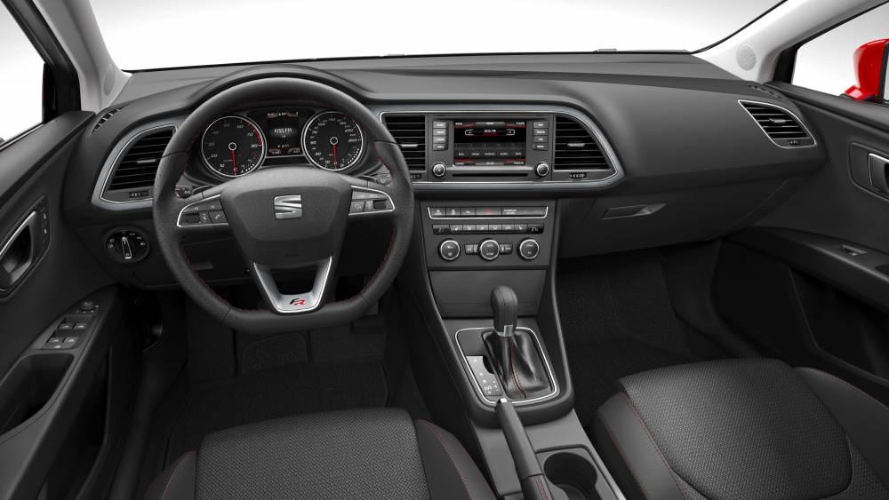 Ambiance germanique à bord mais l'ergonomie et la finition sont de très bon niveau ©  Seat