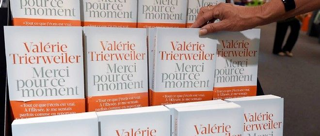 Plusieurs exemplaires du livre de Valérie Trierweiler.
