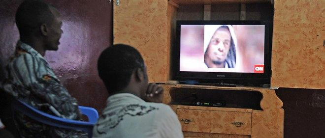 L'ancien chef des djihadistes somaliens, Abdi Godane (sur l'écran télévisé), est mort le 1er septembre dans une attaque américaine.