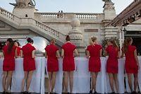 Les hôtesses attendent les invités de Netflix, pour la soirée parisienne de lancement, lundi 15 septembre. ©ROMUALD MEIGNEUX/SIPA