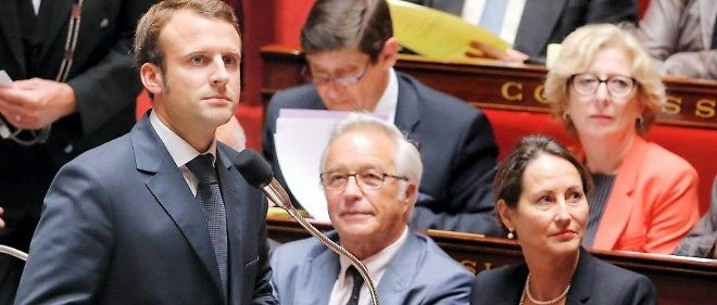 Accuse d'avoir ete meprisant, Emmanuel Macron a ete contraint de s'excuser platement a l'Assemblee nationale.