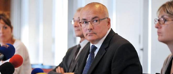 Pierre Sennès, procureur de la ville de Clermont-Ferrand, instruit l'affaire du meurtre de la petite Fiona.