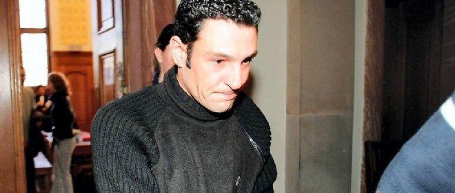 Christophe Morat, le 4 janvier 2005, après sa condamnation à six ans ferme pour avoir sciemment contaminé deux de ses partenaires sexuelles par le VIH alors qu'il se savait atteint par le virus du sida.