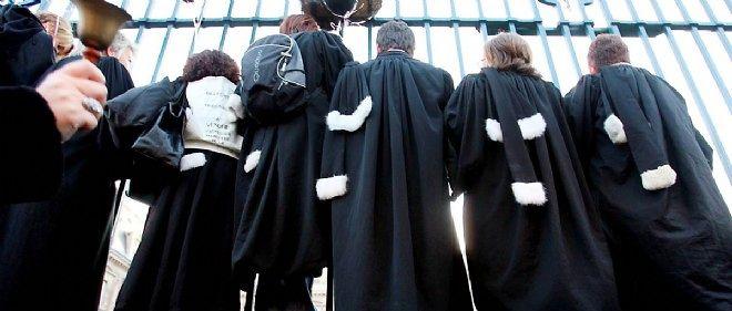 Le gouvernement veut réformer en profondeur la profession d'avocat.