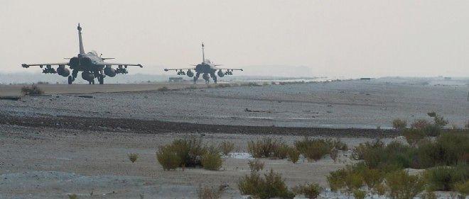 Deux Rafale français décollent, le 25 septembre 2014, pour aller frapper des cibles en Irak.