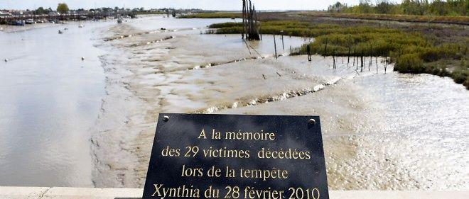 Plaque commémorative à La-Faute-sur-Mer.