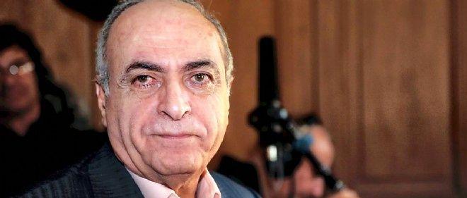 Ziad Takieddine est invité par les parents de la mariée, qui organise un grand dîner à Londres.