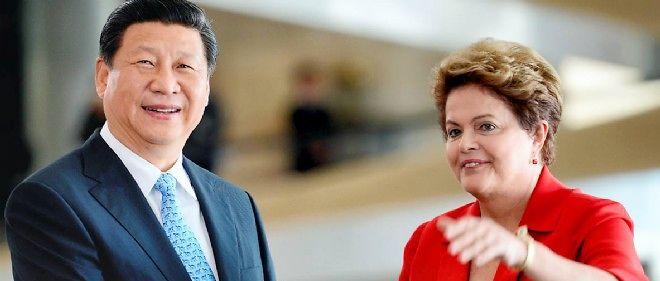 Le président chinois Xi Jinping (à gauche) est reçu par la présidente Dilma Rousseff (à droite) en juillet 2014 au Palais du Panalto, au Brésil. La Chine a déjà choisi le futur siège de la banque de développement du groupe Brics (Russie, l'Inde, la Chine, Brésil...).