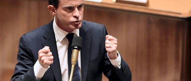 """Selon des propos rapportés par la presse, Manuel Valls a estimé que la question du montant et de la durée de l'indemnisation devait """"être posée"""". """"On doit inciter davantage au retour à l'emploi"""", a-t-il ajouté."""