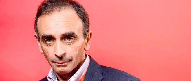 Photo prise d'Éric Zemmour, écrivain et journaliste politique qui assistait à l'émission de Frédéric Taddeï en 2013.