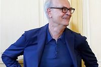 Patrick Modiano, laureat du Nobel de litterature, donne une conference de presse chez son editeur Gallimard, le 9 octobre 2014. (C)THOMAS SAMSON