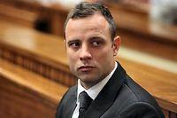 Oscar Pistorius revient lundi au tribunal où sa défense va tenter d'arracher la peine la plus légère possible.